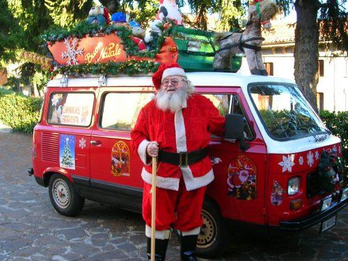 Buone feste da lestoriedimonteviale con … uno storico Babbo Natale!